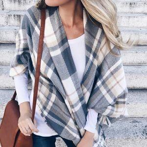 Sweaters - Amazing Fall Super soft plaid cape